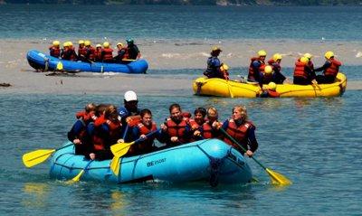 072007 Switzerland groups of girls rafting