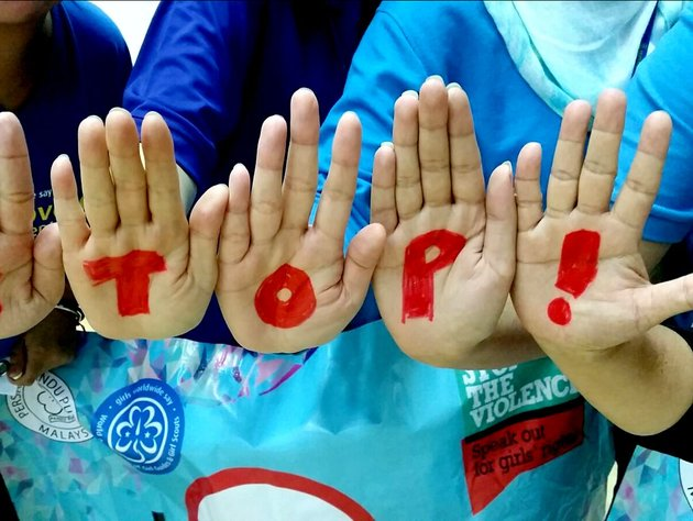 09_2015_Stop the Violence_hands_stop_National training_zone 2