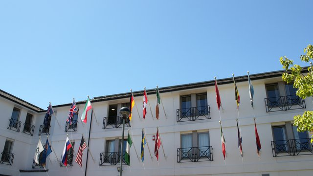 Pax Lodge - Flags
