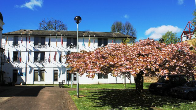 Pax Lodge - Spring